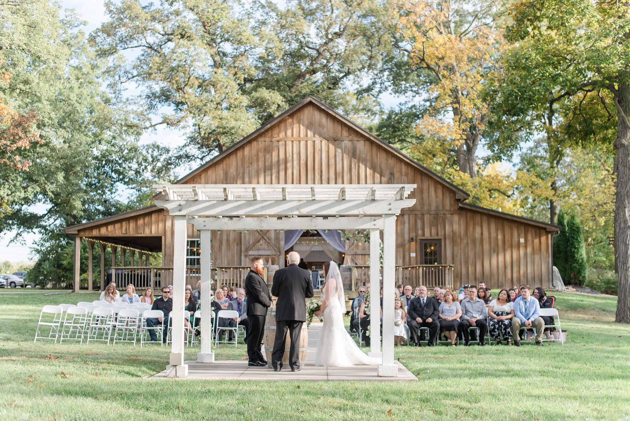 Anderson, Indiana Barn Wedding (With images ...