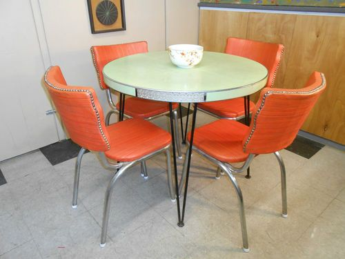 1950 S Orange Vinyl Diner Chair Set Of Four Retro Mid Century Modern Furniture Chair Furniture Chair Set