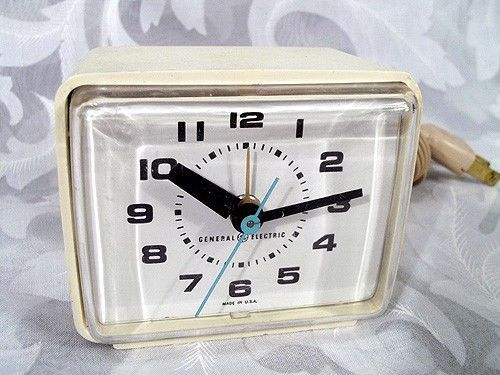 Sold Vintage 1960s Ge General Electric Small Alarm Clock Model