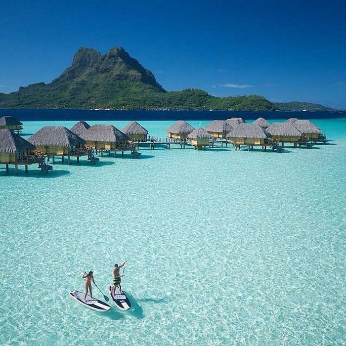 St. Regis Bora Bora Resort, Bora Bora, arquipélago da empresa, Polinési... http://www.pandagu.ru/pt/destino-dos-sonhos /st-regis-resort-bora-bora via @pandaguruapp