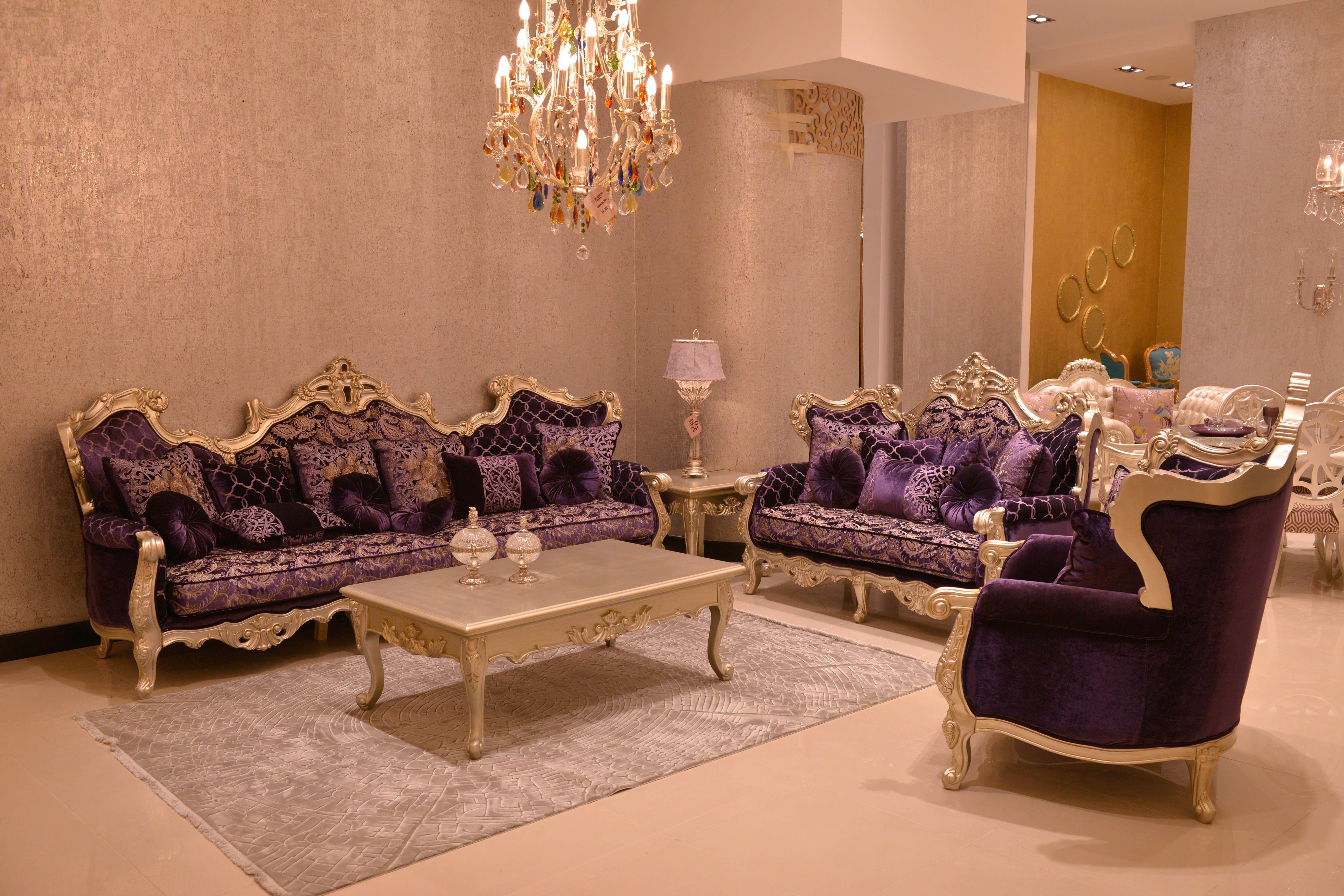 أفكار ملهمة للتصميم الداخلي على بعد صالة عرض فقط الحذيفة أثاث فخم صالة العرض دبي أبوظبي الشا Home Office Chairs Home Office Furniture