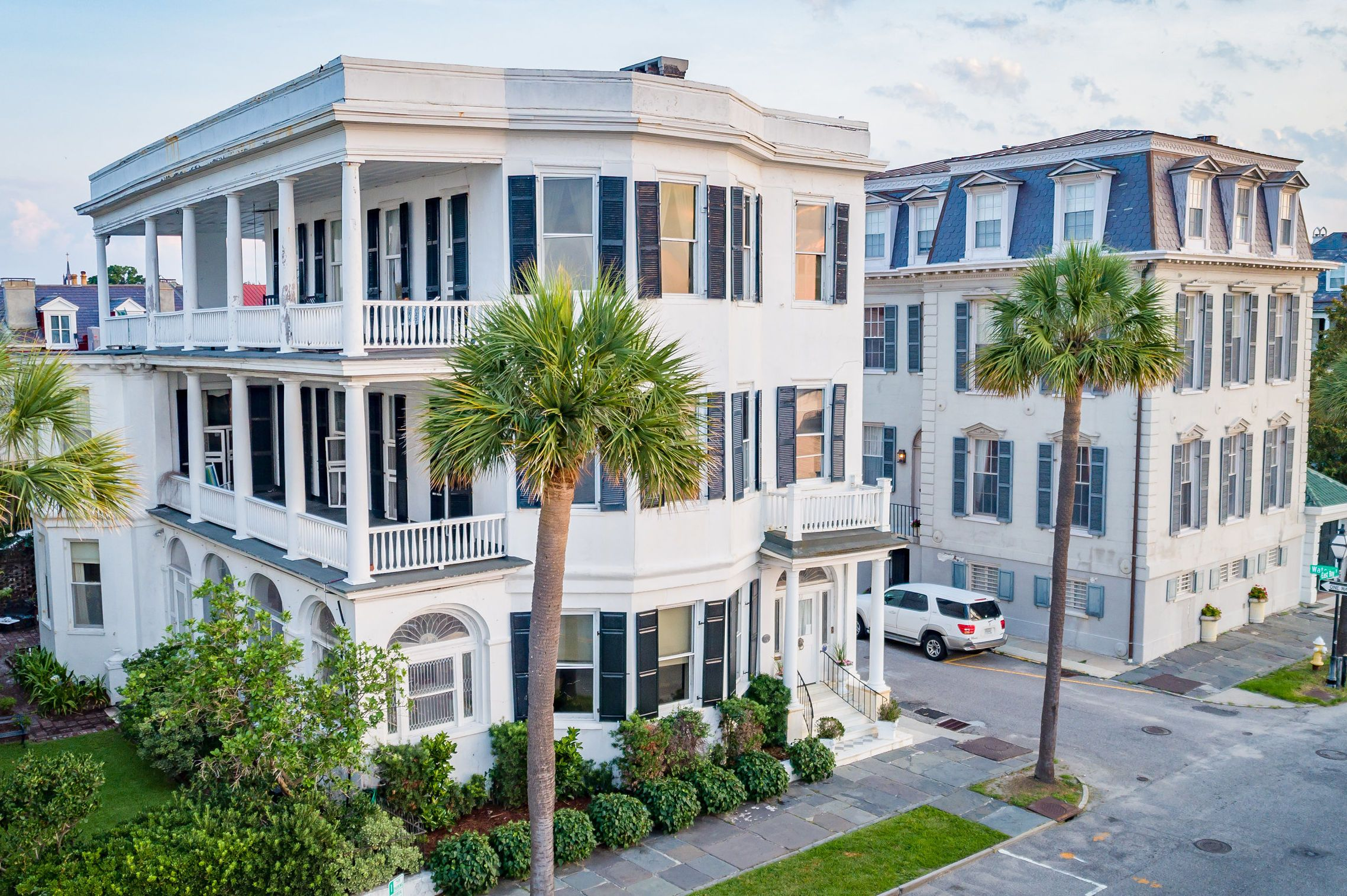 Tour One of the Oldest Homes on Charleston's Famed East ...