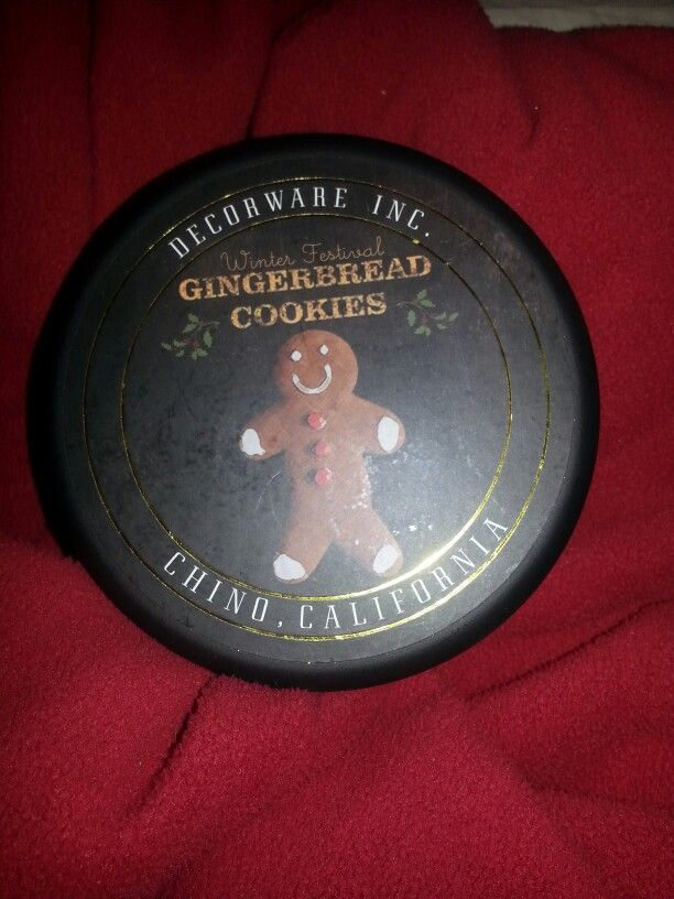 Decoware Inc. Gingerbread Cookies Candle