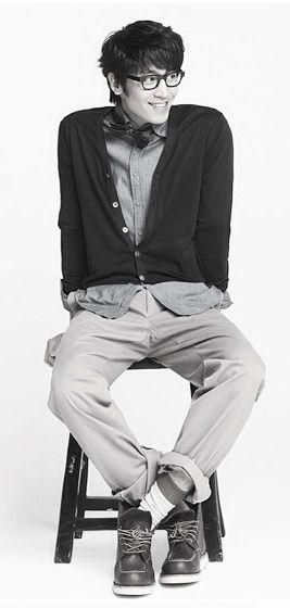 Eric, Mun Jung-hyuk (문정혁)