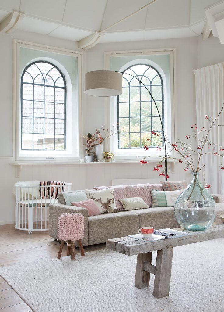 besteed aandacht aan de hal thuis woonkamer woongedeelte pastelkleuren zachte kleuren pastel