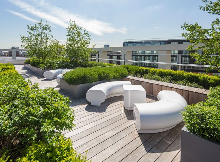 Modern Seating For Prestigious Office Roof Top Garden 2 Pancras Square Kings Cross London Roof Garden Design Roof Garden Modern Garden Design