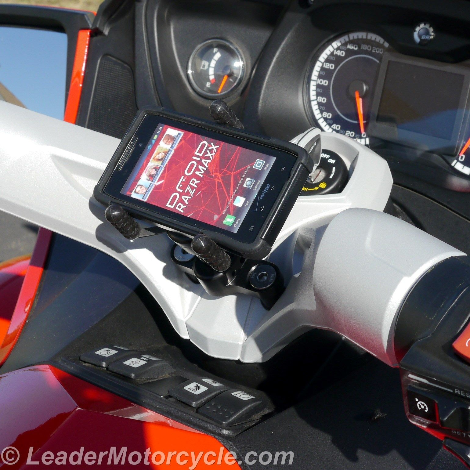 Http www leadermotorcycle com ecaddy tri grip phone holder can am spyder center mount ecaddy tri grip phone mount was designed for larger phones both