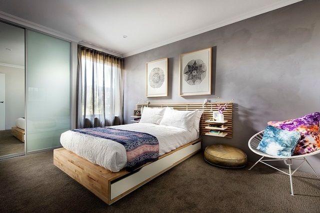 Schlafzimmer Modern Teppichboden Braun Graue Wandfarbe Holzbett Regale