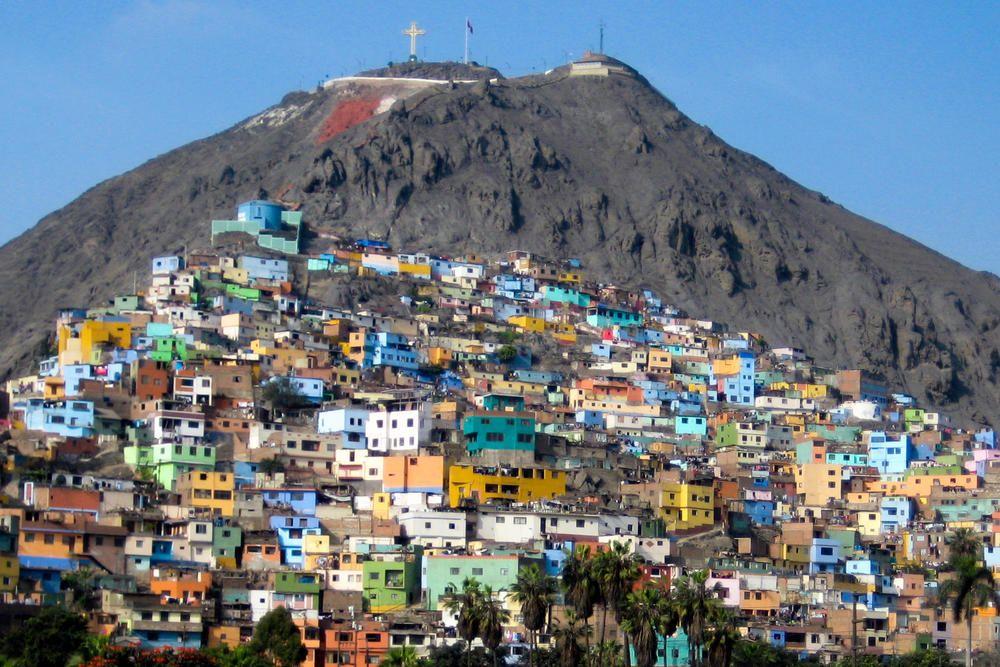 Photo Mountainside Homes Of Lima Lima Peru Lima Peru Plaza De Toros America Central