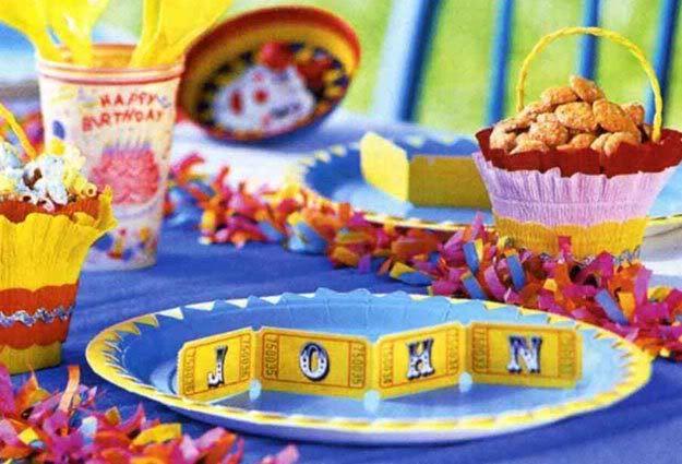 Circus party place card idea