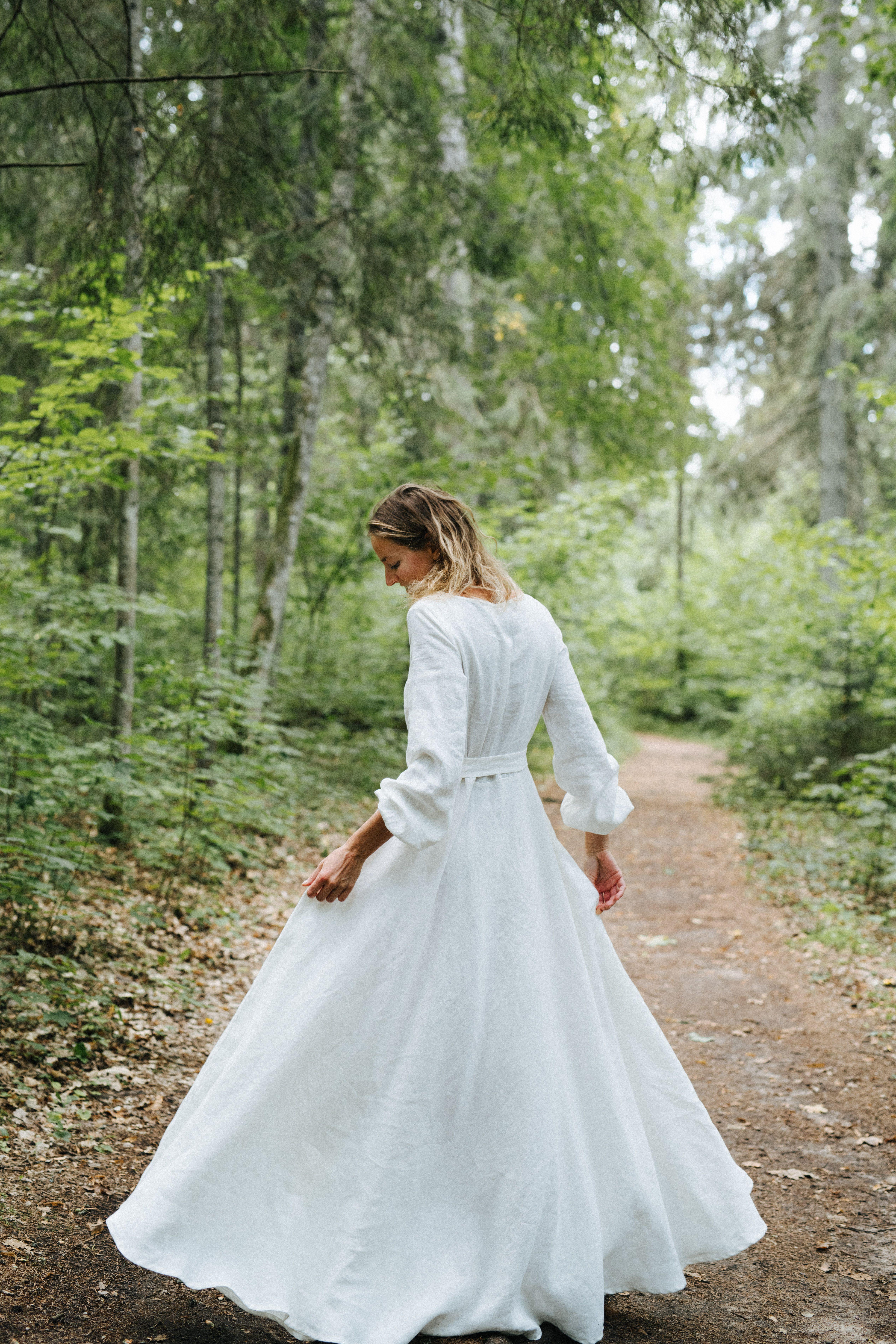 Boho Wedding Dress Linen Wedding Dress Rustic Wedding Dress Classic Wedding Dress Wide Skirt Wedding Dress White Wedding Dress Etsy Wedding Dress Wedding Dresses Boho Wedding Dress