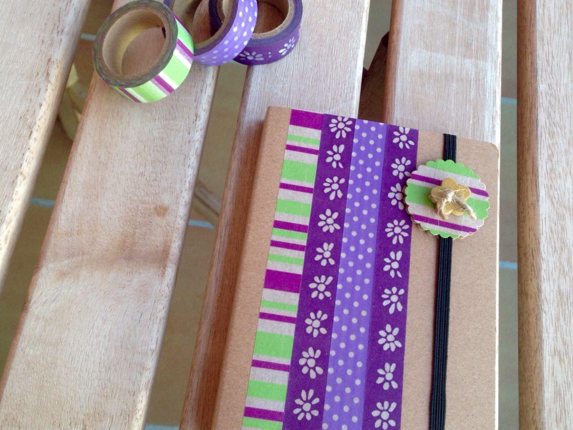 Cuaderno decorado con washi tape.