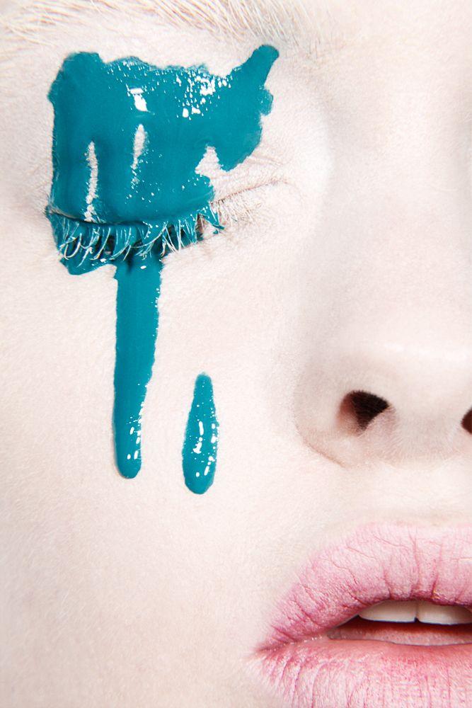 Running Mascara Drawing Paint Dripping ...