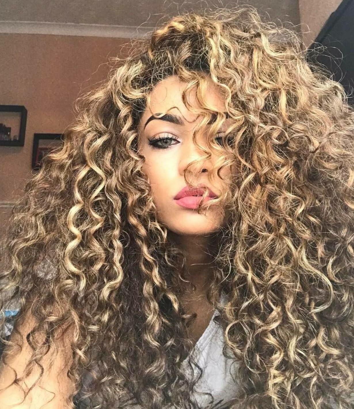 Lockige Blonde Frisuren Neu Haar Frisuren 2018 Hair Styles Curly Hair Styles Long Hair Styles