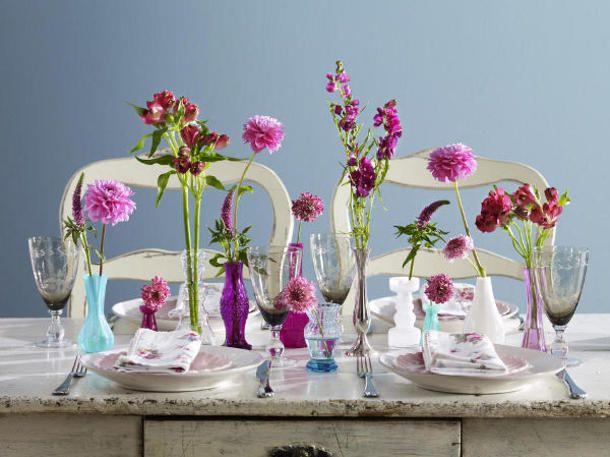 Auffallen erwünscht! In kräftigen Rosatönen leuchten heimische Sommerblumen und ihre exotischen Schwestern um die Wette. Schwer zu sagen, wer das Farbspiel gewinnt...