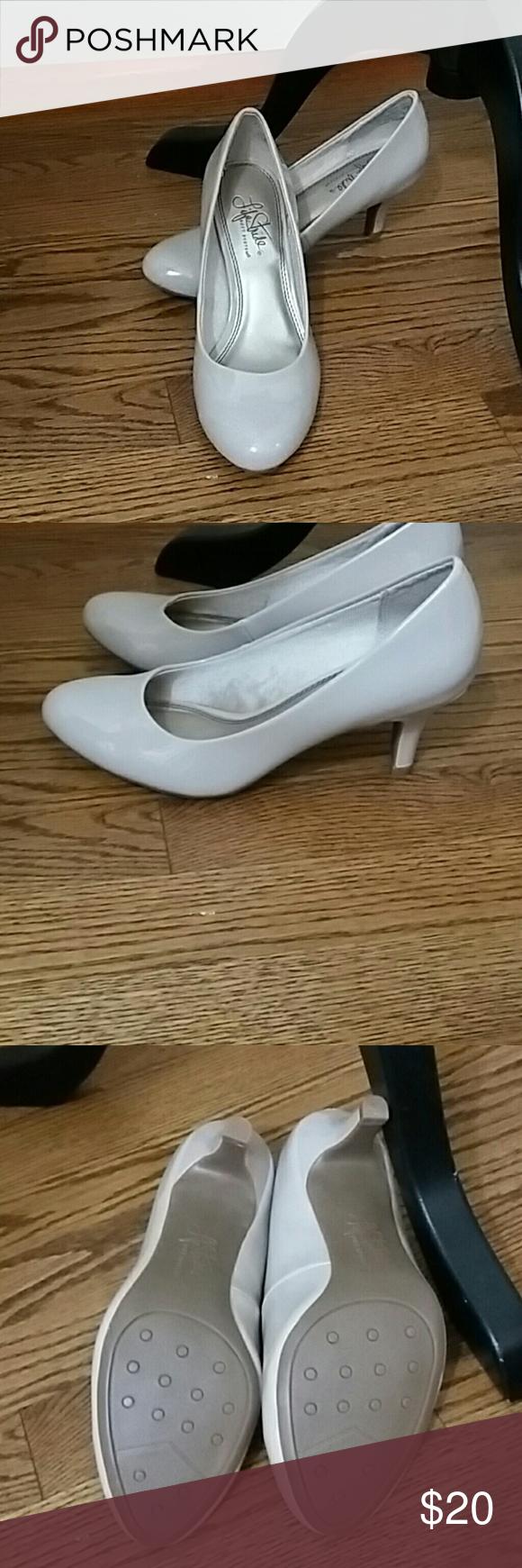 Life Stride pumps Life Stride bone pumps. NWOT size 6.5W Life Stride Shoes Heels
