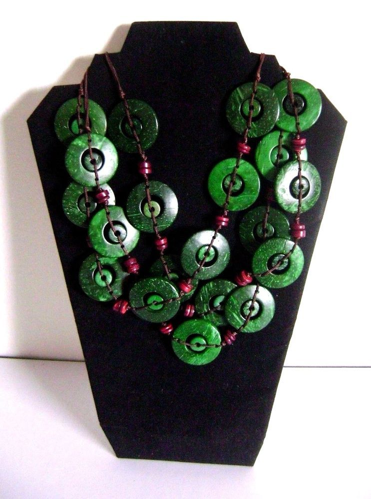 Ethnic Coconut Shell Necklace - Brand New  Handmade - New Style - GREEN (A-202)