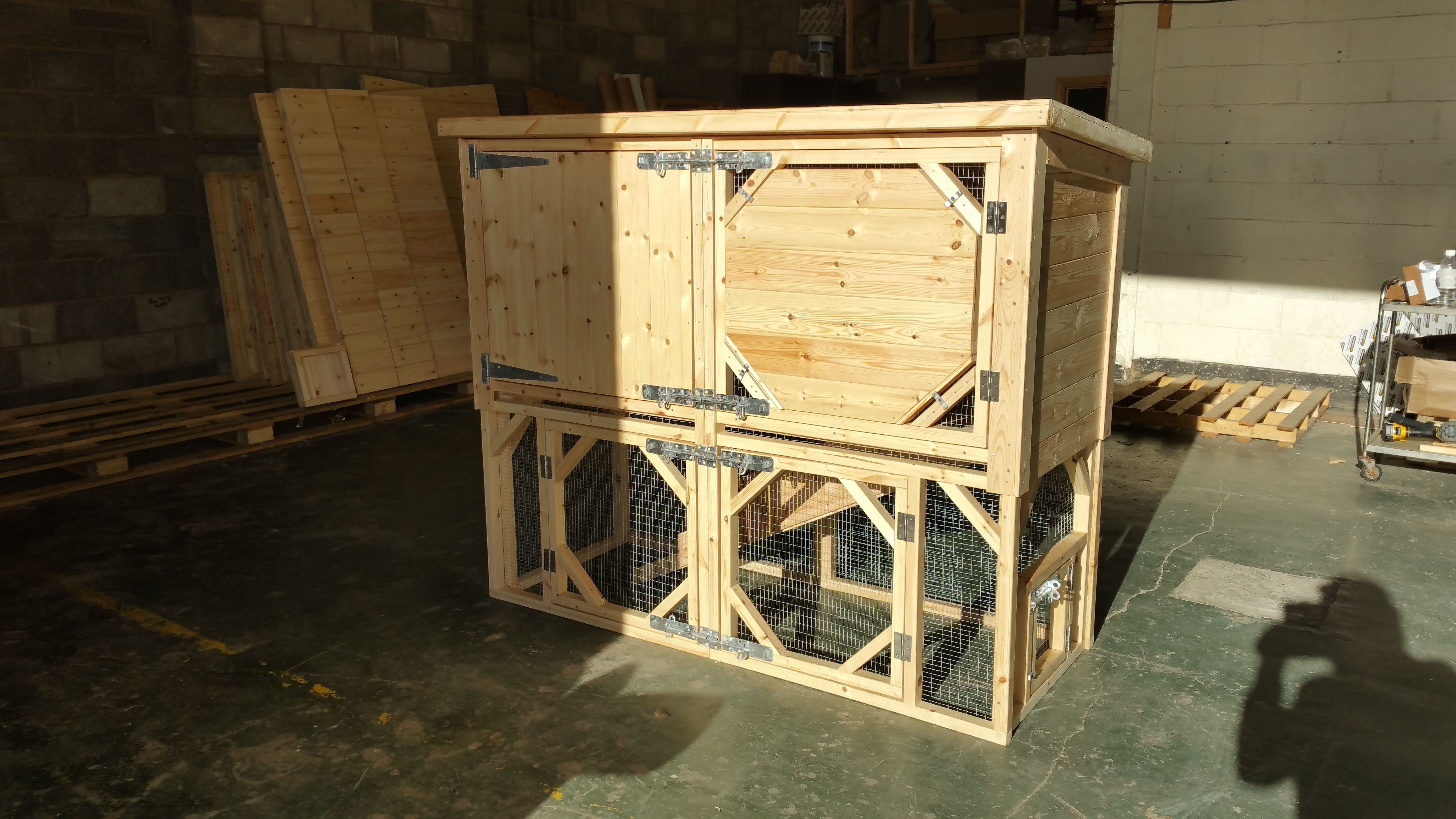 hutch dual wood chicken boomer solid cfm coop product george hayneedle use master rabbit