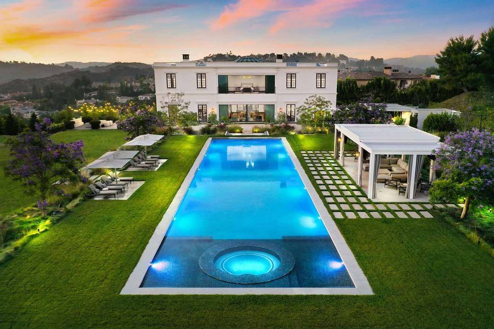 Tour A Grand Bel Air Estate Designed For Family Time And Entertaining Wellness Design Mansion Designs Bel Air House