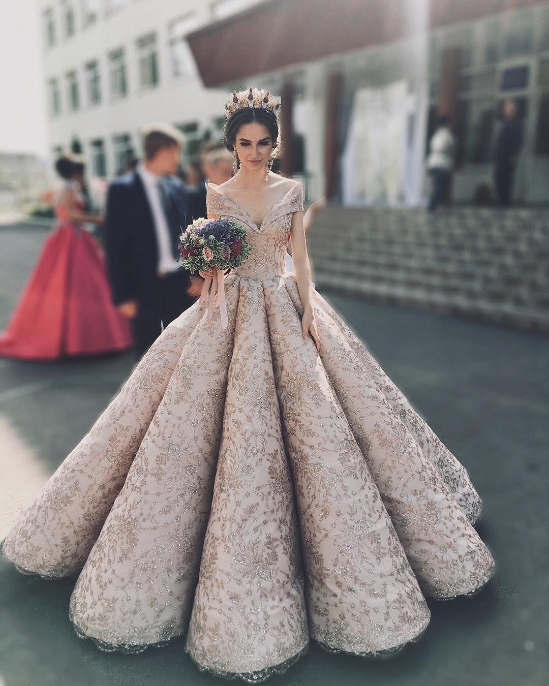 Rreth Femrave Follow Rreth Femrave Make Fashion Beauty Lips Hair Hairstyle Ha Ball Gowns Wedding Dresses Princess Wedding Dresses