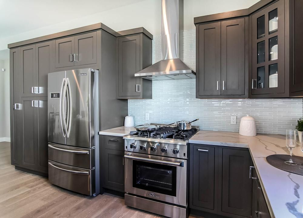 Best Ready To Assemble Charcoal Gray Shaker Cabinets Stained 400 x 300