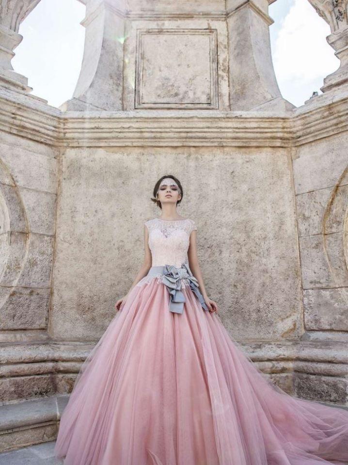 76c3effbb5d Plesové šaty- šípková růženka