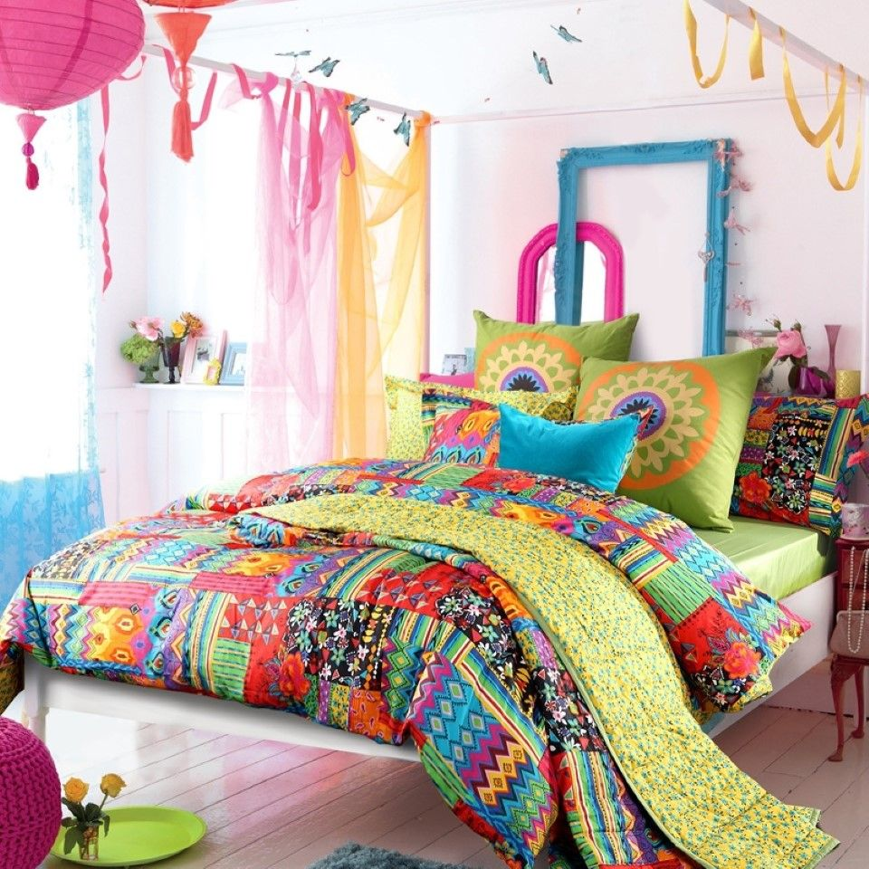 Depiction Of Tribal Pattern Bedding To Experience Lovely Nuance