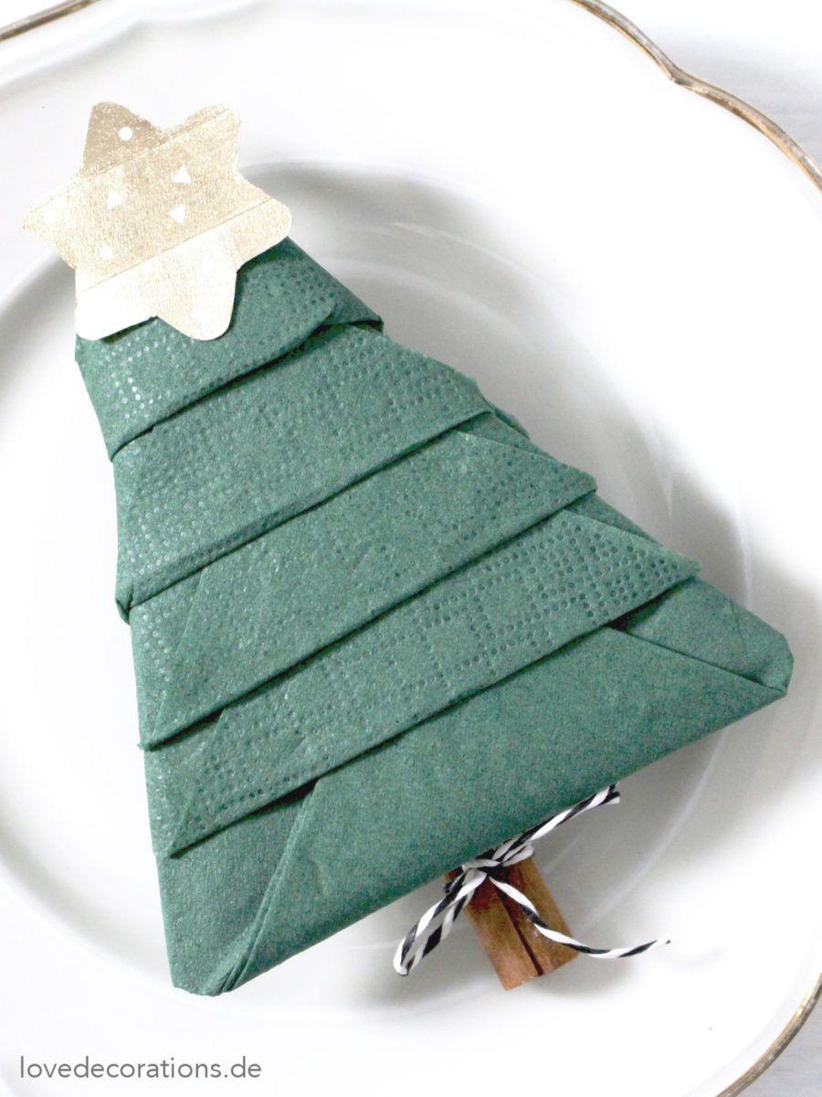 DIY Serviette falten: Tannenbaum und wie Kinder einen verzweifelnd lachen lassen - Love Decorations