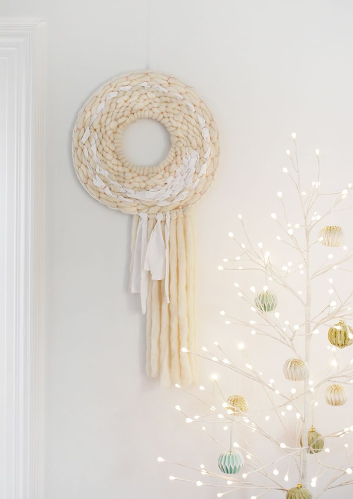 Diy Tutorial How To Weave A Round Wall Hanging Or Wreath