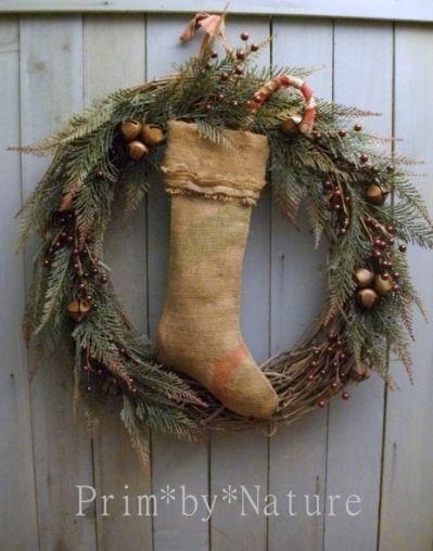 319 best primitive christmas decoration christmas country decorating pinterest primitive christmas wreath burlap and primitives - Pinterest Primitive Christmas Decorating Ideas