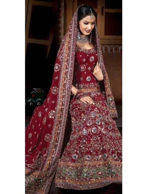 Robes indou mariage for Concepteur de robe de mariage russe
