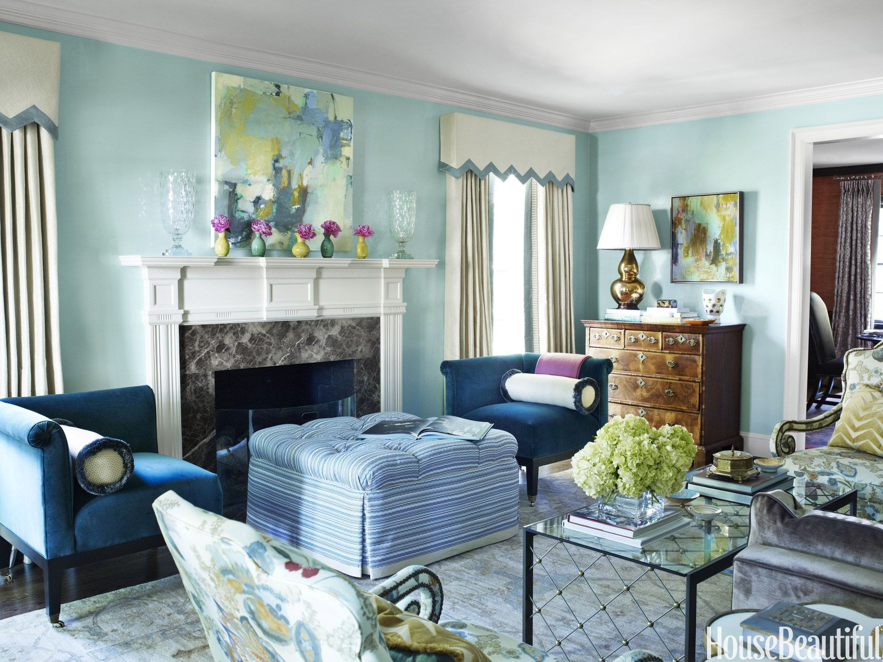 Inside A North Carolina House Where Bold Colors Are Mixed Effortlessly Room Wall Colors Living Room Paint Living Room Color Schemes
