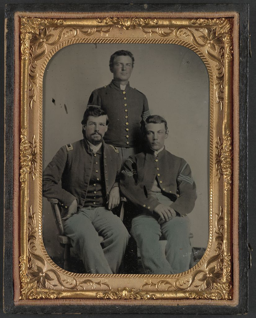 A grandmothers trove of Civil War photos goes to