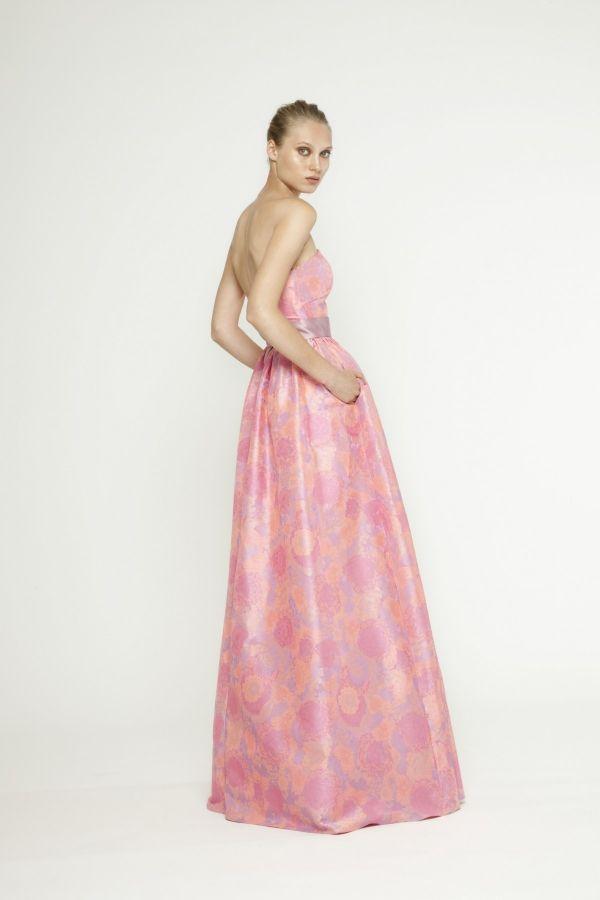 Foto 7 de 16 Vestido largo en rosa con escote palabra de honor y ...