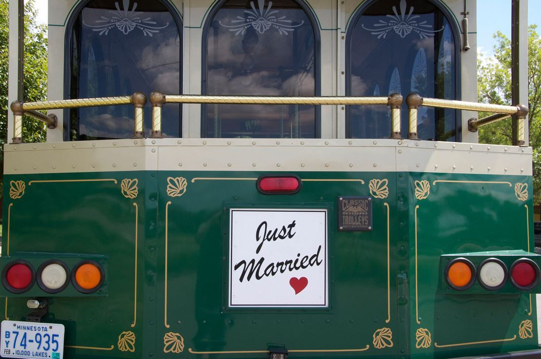 Wedding Transportation Minneapolis Wedding