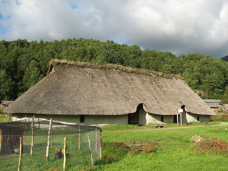 Reconstructed viking house at landa archaeological for Viking outdoor