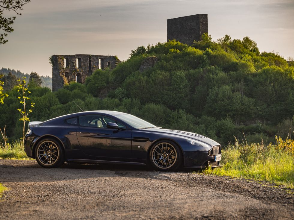 A Restomod Aston Martin V8 Vantage Makes A Delightful Track Weapon Aston Martin V8 Aston Martin Aston