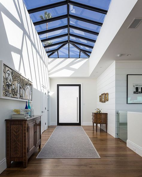 Best First Impressions: Gorgeously Illuminated Entry Rooms