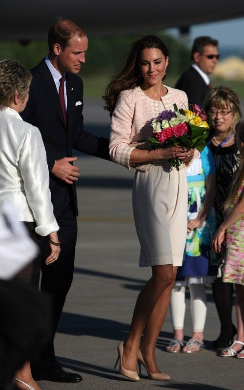William & Kate - Joseph Cream Crepe Dress with Soft Pink Tweed Jacket Tour Of Canada Charlottetown 3 July 2011