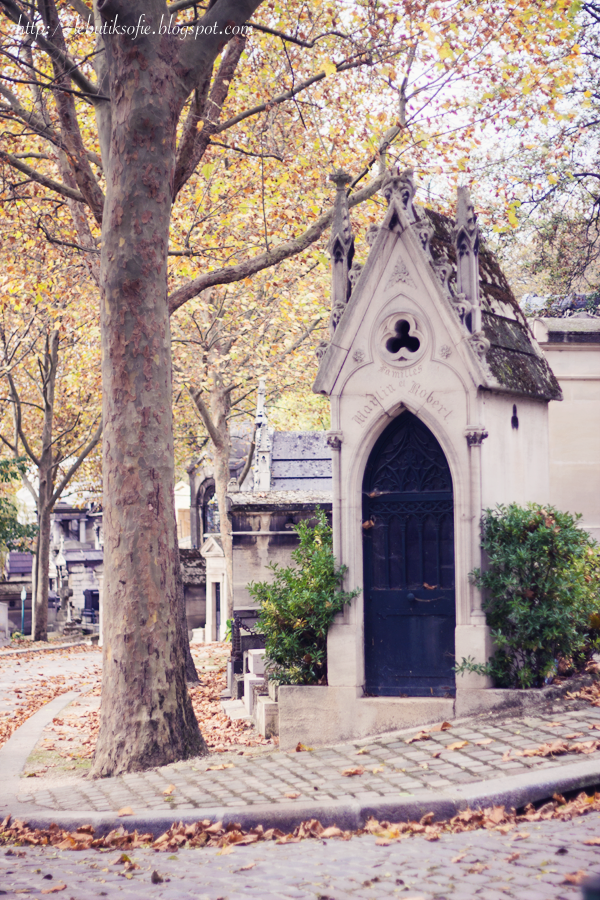 Père-Lachaise, Paris I lived near here when I first moved to Paris in the 11th Arrondissement.
