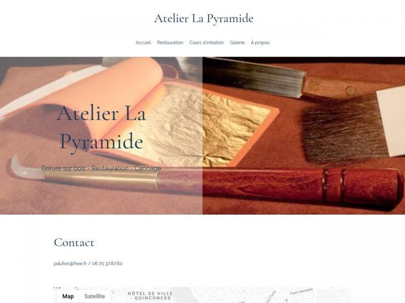 La Pyramide Dorure Sur La Commune De Bordeaux Departement De La Gironde En 2020 Pyramide Dorure Bordeaux