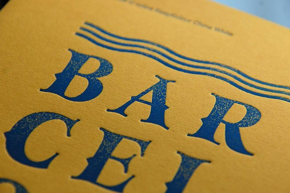 Una linda tipografía azul sobre un bonito papel amarillo. Así es nuestra tarde // Blue type on yellow paper!  #goodtype #letterpress #blue #yellow #slowprint #type #typography #design #typeinspire  #paper #colorplan by trasteria http://ift.tt/1Qwo1dJ