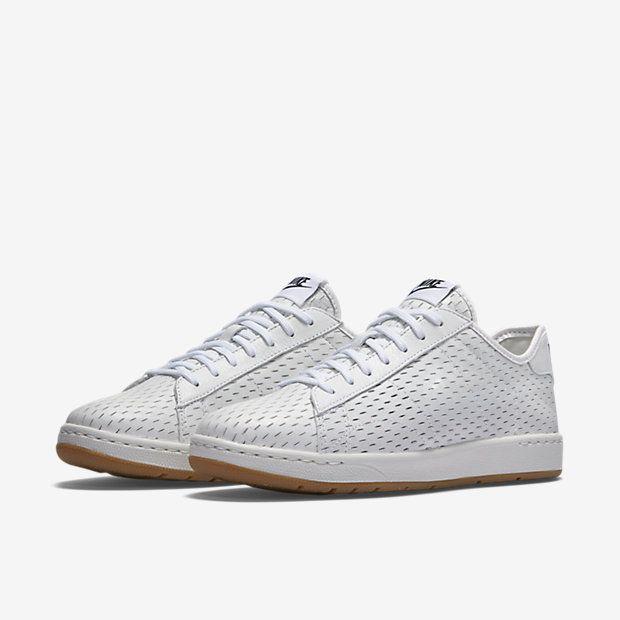 ca979a043e4f NikeCourt Tennis Classic Ultra Deconstructed Women s Shoe