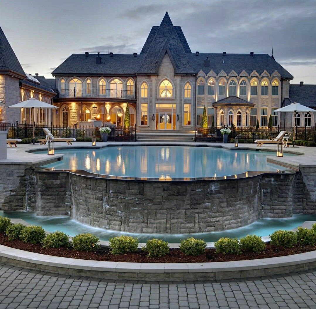 Amazing Mansion In Canada Mansions Luxury Homes Dream Houses Big Mansions