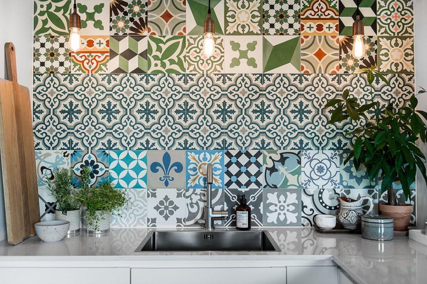 Piastrelle decorate paraschizzi interiors interiors