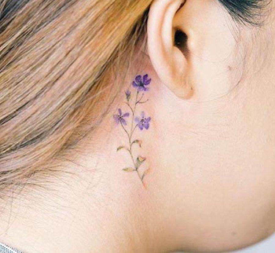 Tatuajes femeninos pequeos con grandes significados Hennas