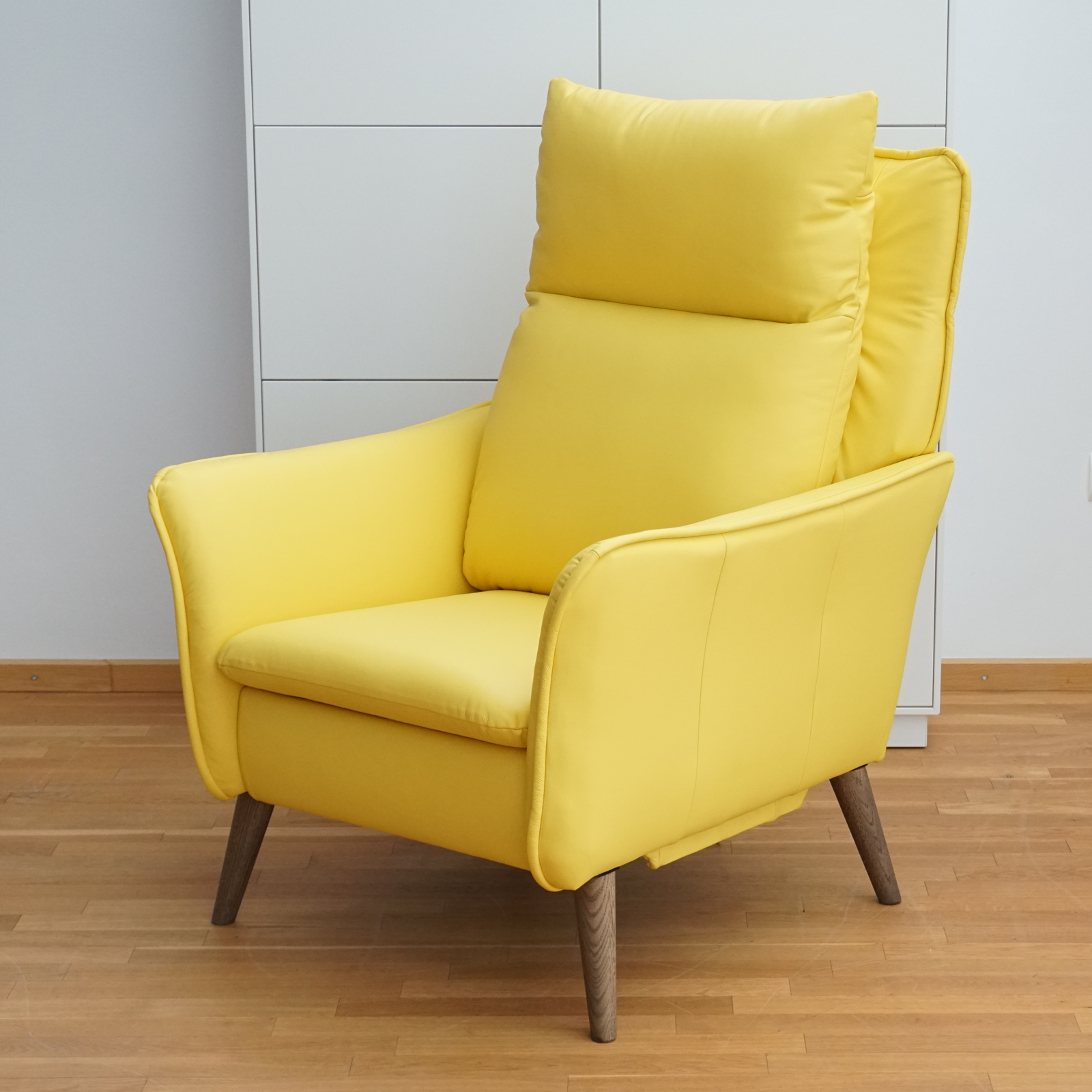 Wir Erfullen Unseren Kunden Fast Alle Wunsche Unseren Relaxsessel Insideout Haben Wir Soeben Als Sonderanfertigung Mit Extr Sessel Relaxsessel Fernsehsessel