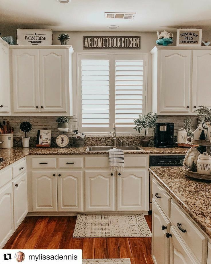 Pin By Brittany Hastings On Madre Y Hija Small Kitchen Decor Cabinets Decorating Above