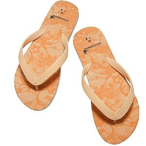 Cicciabella Flings are the best flip flop to get you through the #summer #heat! They come in 4 #elegant colors that have a timeless #lace design! Learn more by visiting us at  http://www.bethbingham.com/cicciabella/flings.html #fashion #beauty #trend #shoes #footwear