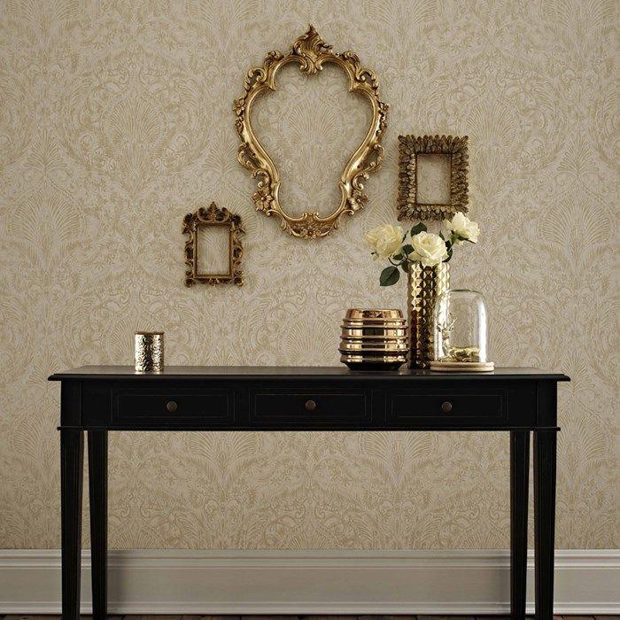 papier peint burlesque cr me or par graham and brown des murs qui donnent envie d 39 aller au. Black Bedroom Furniture Sets. Home Design Ideas